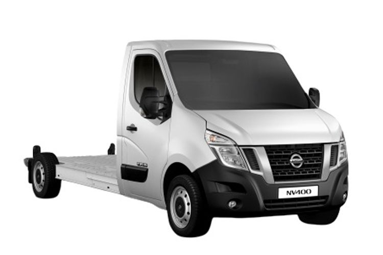 Nissan NV400 L3 35 FWD 2.3 dCi FWD 150PS Tekna Chassis Double Cab Manual [Start Stop] front view