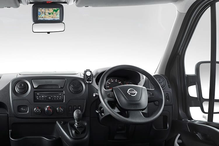 Nissan NV400 L3 35 FWD 2.3 dCi FWD 150PS Tekna Chassis Double Cab Manual [Start Stop] inside view