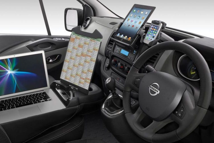 Nissan NV300 L2 30 2.0 dCi FWD 170PS Acenta Platform Cab Manual [Start Stop] inside view